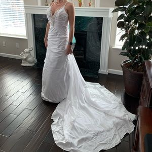 Alfred Angelo Wedding Dress style 2183c